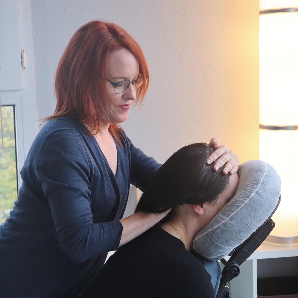 Massage Cranien assis par Adeline Maurice 82